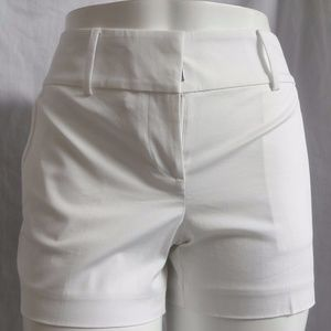 WHITE WALKING CASUAL DRESS SIGNATURE SHORTS 10P